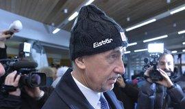 Ministr financí Andrej Babiš na návštěvě obchodu se sportovním vybavením