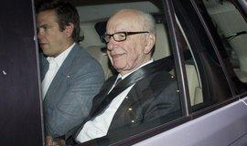 Mediální magnát Rupert Murdoch se synem
