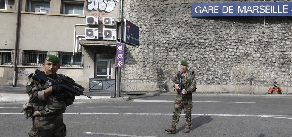 Vojenská hlídka v Marseille