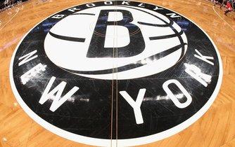 Basketbalový tým Brooklyn Nets kupuje čínský miliardář Joe Tsai