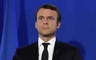 Emmanuel Macron vytkne Putinovi hackerské útoky