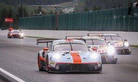 Letošnímu závodu ve Spa kralovaly vozy Porsche 911 GT3 R. V první desítce jich skončilo pět, na obrázku ti nejlepší z nich - první, druhý a pátý