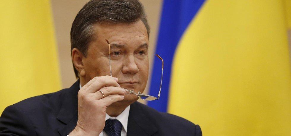 Viktor Janukovyč během tiskové konference v Rostově na Donu
