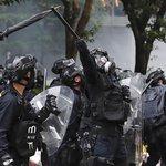 Policisté v Hongkongu použili proti účastníkům protestní akce slzný plyn, pepřový sprej a vodní děla