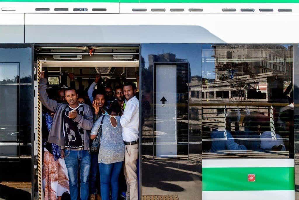 Lehký nadzemní přepravní systém v etiopské Addis Adebě.