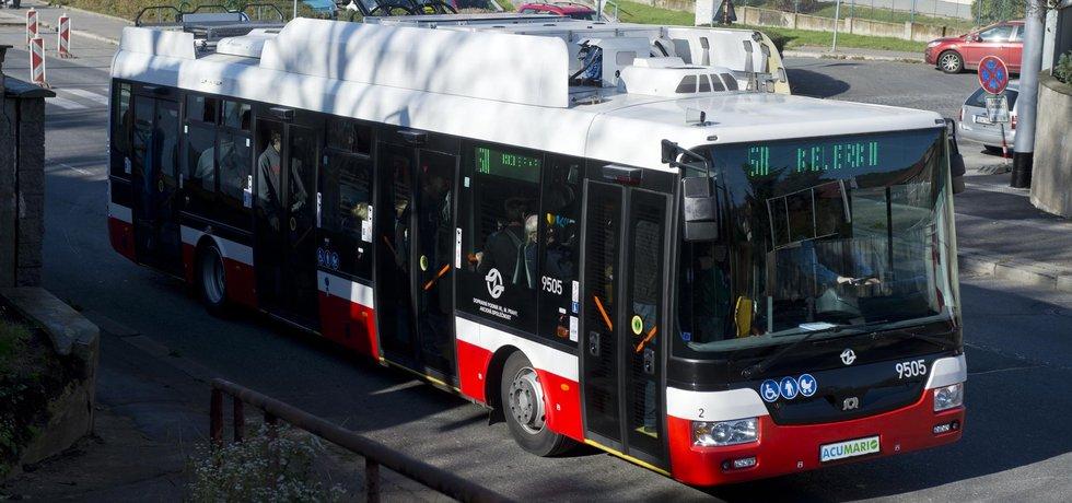 Dopravní podnik poslal do ulic elektrobusy. Zatím jen na zkoušku