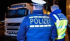 Německá policie kontroluje řidiče kamionů, ilustrační foto