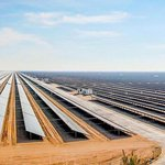 Poblíž Dubaje roste obří solární elektrárna