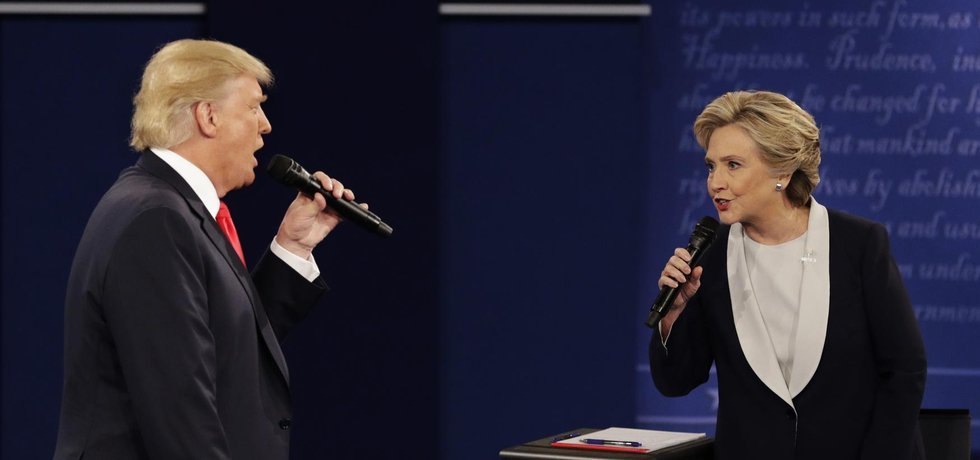Donald Trump a Hillary Clintonová v druhé prezidentské debatě