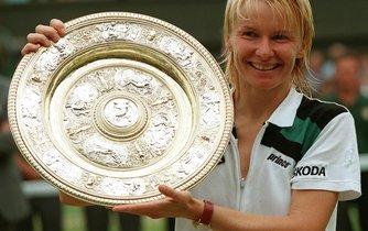Wimbledonská vítězka z roku 1998 Jana Novotná