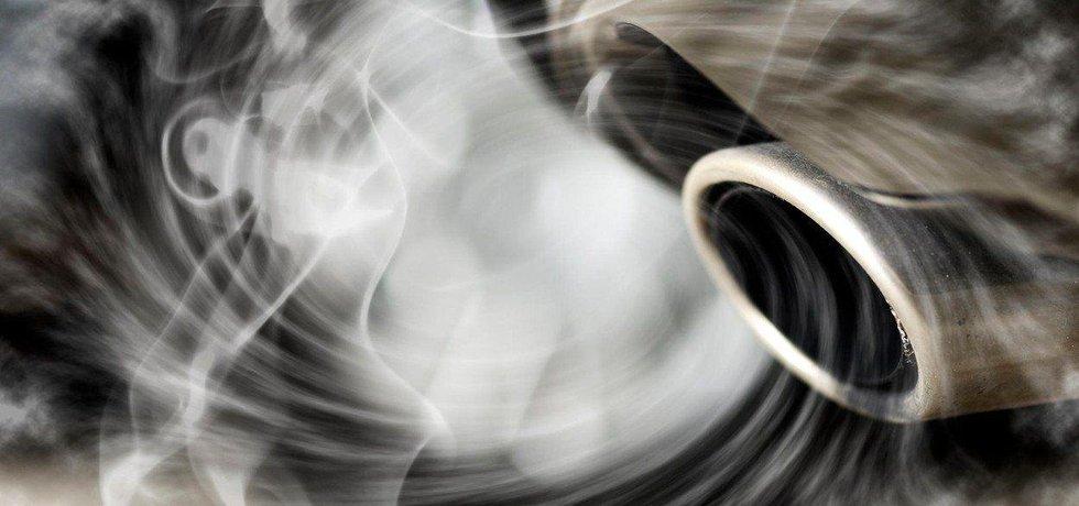 Kouř z dieselového motoru, ilustrační foto