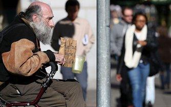 Bezdomovec v San Francisku - ilustrační foto