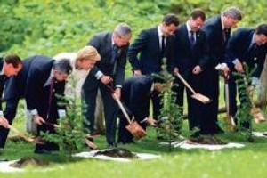Lídři zemí G8 proberou krizi, klima i roli dolaru