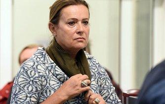 Olomoucký vrchní soud zprostil 17. ledna 2018 obžaloby bývalou předsedkyni ERÚ Alenu Vitáskovou.