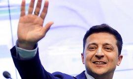"""""""Sluha národa"""" Zelenskyj si roli ukrajinského prezidenta vyzkouší naostro. Porošenka porazil drtivě"""