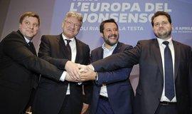 Zleva: šéf konzervativní Strany Finů Oli Kotro, spolupředseda AfD Jörg Meuthen, italský vicepremiér Matteo Salvini a šéf pravicové Dánské lidové strany Anders Vistisen