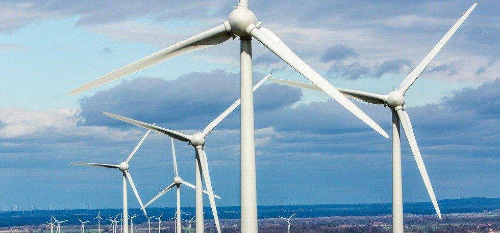 Větrné turbíny v německé krajině. Ilustrační foto.