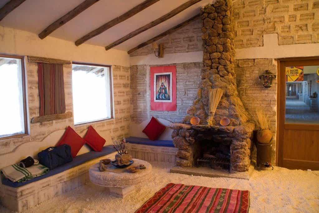 Luna Salada Hotel & Spa: Bolívie. V Bolívii se můžete ubytovat v hotelu, ve kterém jsou zdi, stropy i podlaha, zkrátka takřka všechno, tvořeny ze soli. Může být ideální tečkou za návštěvou Salar de Uyuni, největší solné pláně na světě.