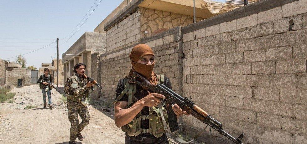 Osvobozování města Rakká od bojovníků IS, ilustrační foto