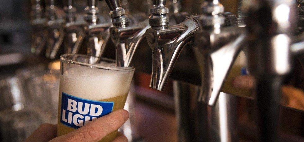 Nejhodnotnější pivní značkou světa je Bud Light