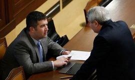 Šéf sociální demokracie Jan Hamáček a předseda KSČM Vojtěch Filip, ilustrační foto