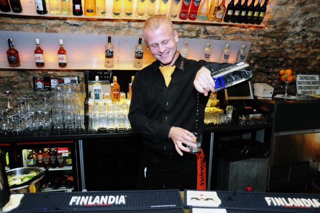 V klubu Nebe už alkohol mají. Nabídka je zatím oproti normálu asi pětinová, bude se ale postupně rozšiřovat. Foto: Petr Horký, E15.