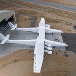 Rozpětí křídel je 117 metrů