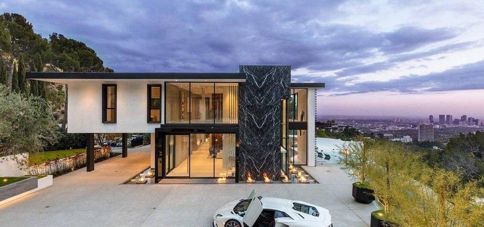 Žijte jako hollywoodská filmová hvězda ve vile za 37 milionů dolarů.