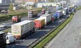 Zákaz vjezdu kamionů do Prahy je podle náměstka pro dopravu Adama Scheinherra nereálný