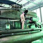 Opravíme, nebo odstavíme? Těžké vrtulníky CH-53 působí ve vzduchu monstrózně. Stále víc jich však zůstává přišpendleno kvůli poruchám k zemi
