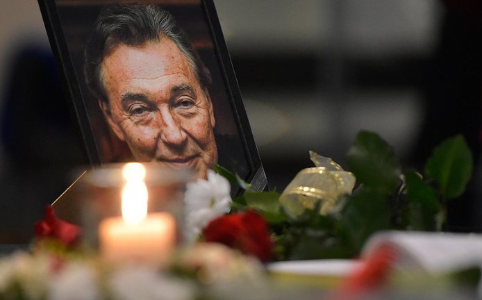Pohřeb Karla Gotta bude se státními poctami