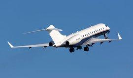 Obrana ruší tendr na nákup letadla za 660 korun. Všechny tři účastníky z něj vyloučila