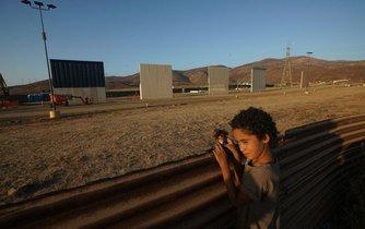 V Kalifornii začnou testovat hraniční zeď s Mexikem
