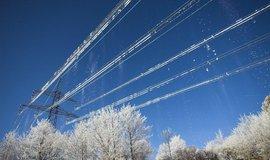 Elektrické vedení v mrazu, ilustrační foto