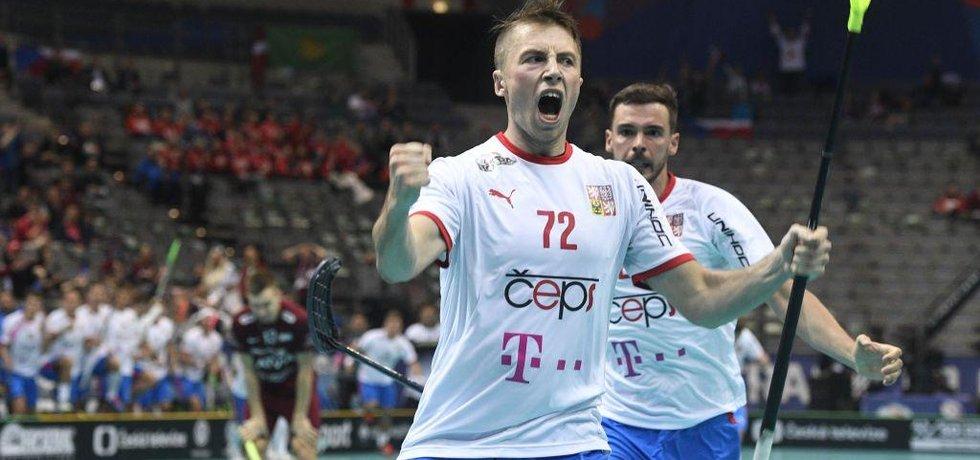 Mistrovství světa florbalistů, skupina A, Lotyšsko - ČR, 2. prosince 2018 v Praze. Český reprezentant Adam Delong se raduje z gólu.