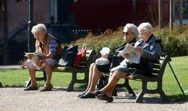 Důchody vzrostou o 900 korun. Penzisté od začátku roku dostanou jednorázový doplatek