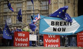 Evropská unie se bude odkladem brexitu zabývat až po hlasování v Británii