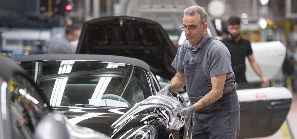 Továrna Porsche ve Stuttgartu. Ilustrační foto.