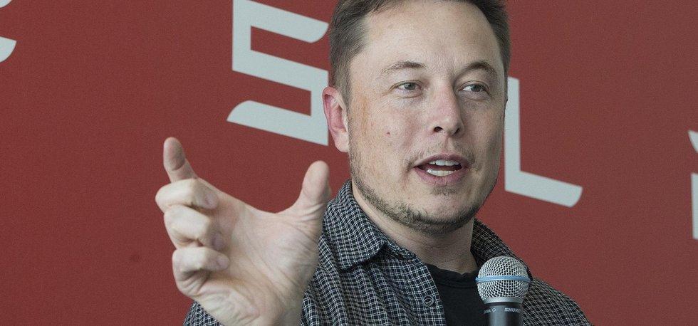 Šéf Tesla Motors a SpaceX Elon Musk německým řemeslníkům odměřuje pomálu