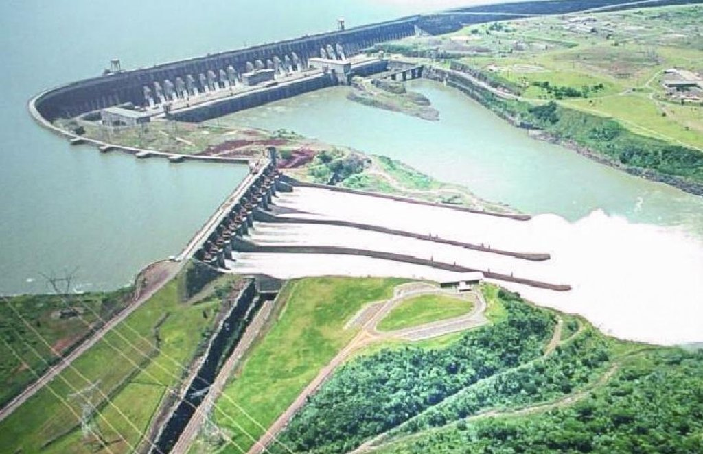 Itaipú, druhá největší hydroelektárna na světě podle výkonu.