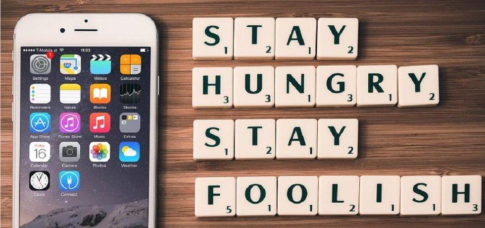 Zůstat hladový i bláhový. To bylo motto Steva Jobse.