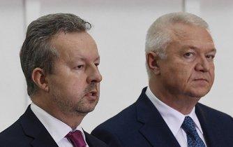 Vicepremiér Richard Brabec (vlevo) a předseda poslaneckého klubu ANO Jaroslav Faltýnek