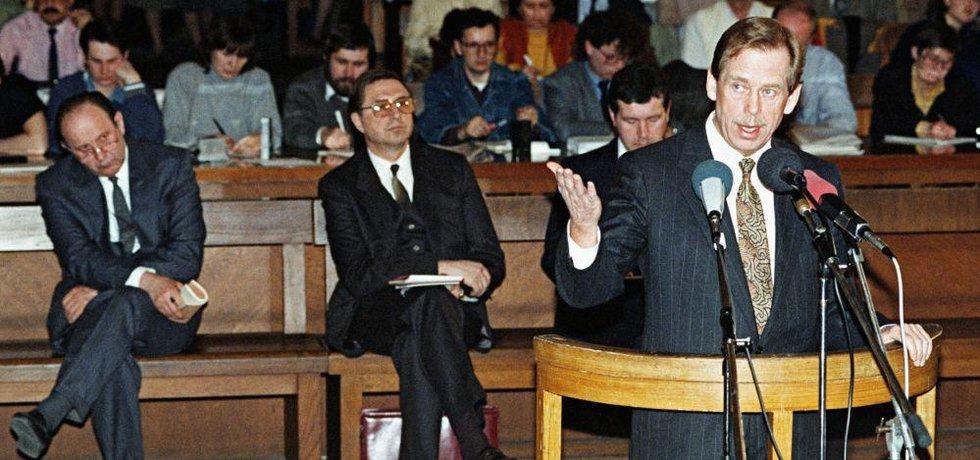 Václav Havel byl u soudu přesně hodinu