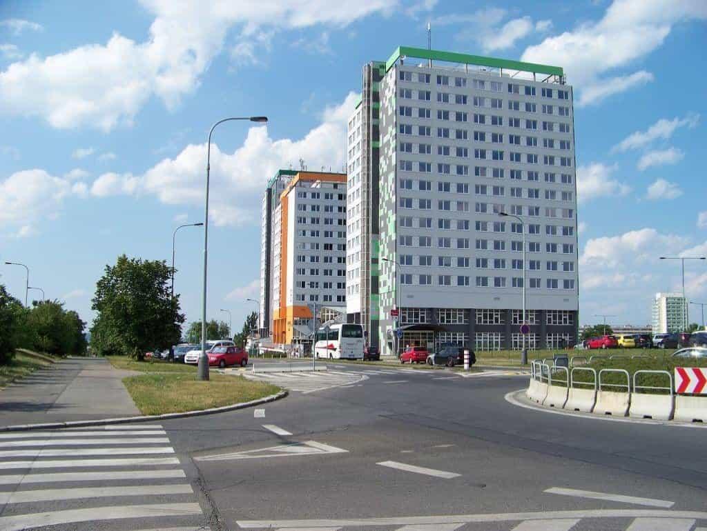 Budovy Eltoda na Novodvorské ulici v Praze