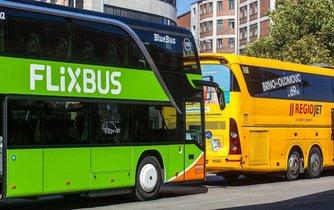 autobusy Flixbus a Regiojet