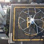 Místo taxi obrovský dron s 9 bateriemi a 18 rotory.