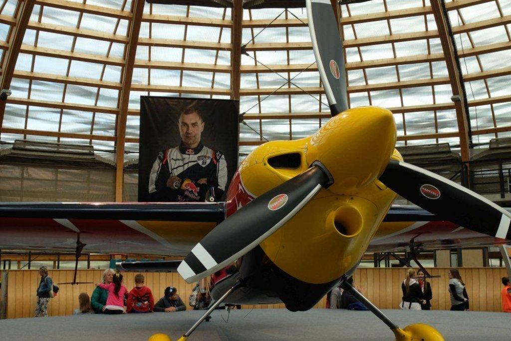 Hlavním hostem byl akrobatický pilot Martin Šonka, mezi jehož sponzory patří také Agrofert