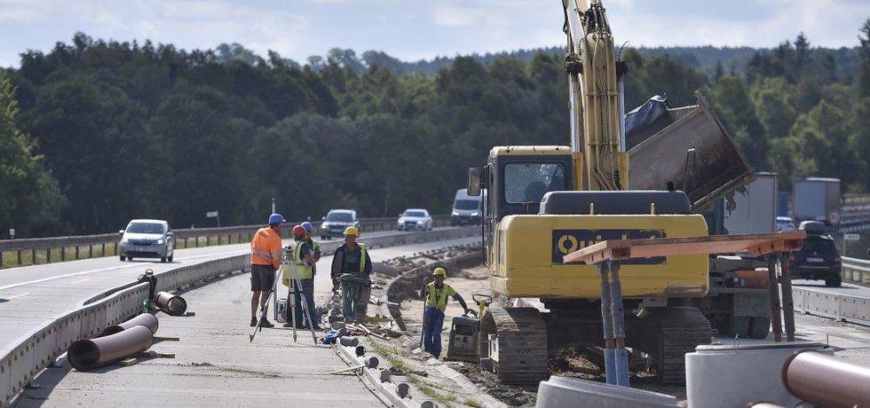 Opravy dálnice D1 mezi Humpolcem na 90. kilometru a Větrným Jeníkovem na 104. kilometru