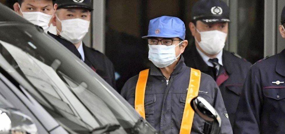 Někdejší šéf Nissanu Carlos Ghosn opouští vazební věznici v Tokiu po zaplacení kauce