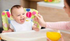 WHO varuje: V dětských výživách je příliš cukru, vzniká na něm závislost